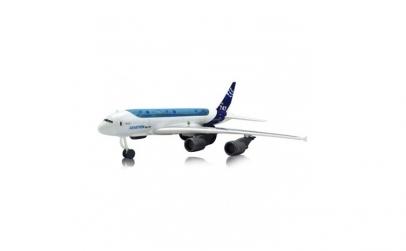 Avion cu sunete realiste