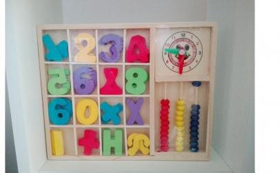 Cutiuta din lemn cu cifre