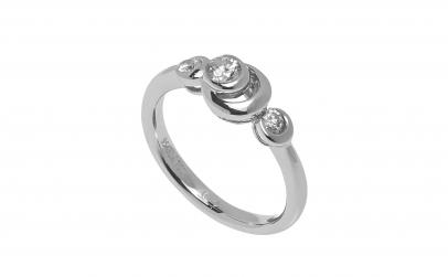 Inel din aur alb 18K cu 3 diamante