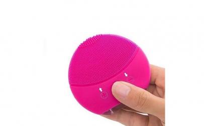 Mini aparat de masaj facial Foreo Luna