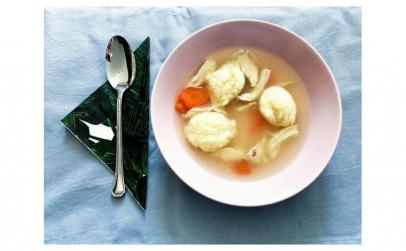Supă de pui de țară cu găluște