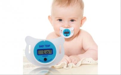 Suzeta-termometru cu display