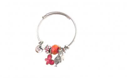 Bratara tip Pandora, cu fluture rosu