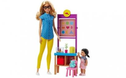 Papusa Barbie Profesoara cu elev