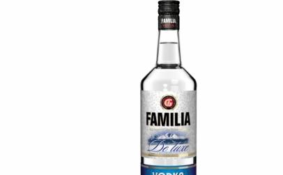 Vodka Familia De Luxe 0.5l