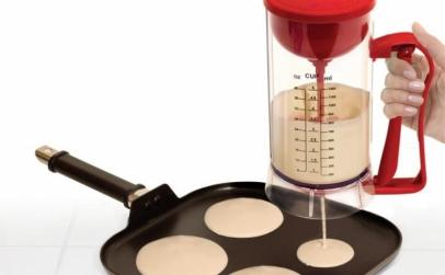 Aparat clatite/ prajituri-mixer inclus
