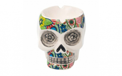 Scrumiera amuzanta in forma de craniu