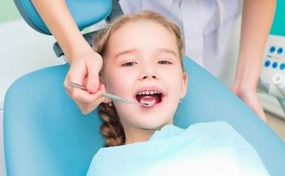 Sigilare dentara copii, fara durere!