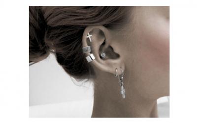 Piercing in urechi 2 gauri