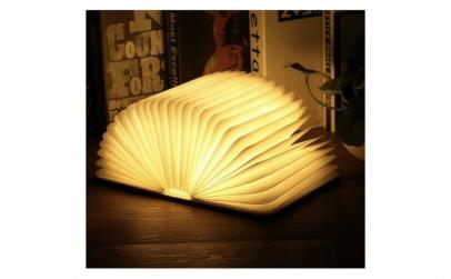 Lampa LED in forma de carte, aspect de