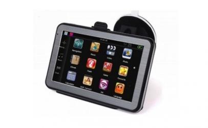 GPS auto cu handsfree si functii tableta
