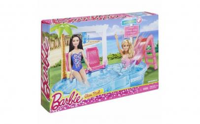 Piscina papusii Barbie cu diverse acceso
