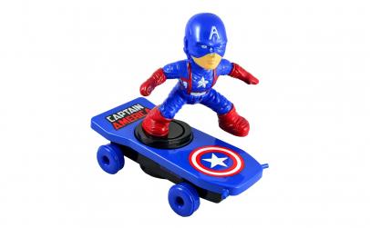 Jucarie Spiderman albastru pe skateboard