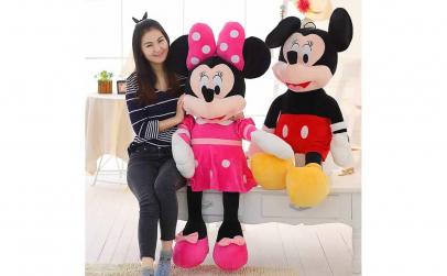 Mickey Mouse sau Minnie Mouse de plus