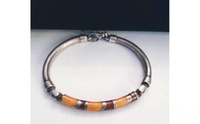 Bratara circulara din argint, decor emai