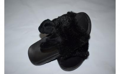 Papuci negri cu blanita pentru fetite