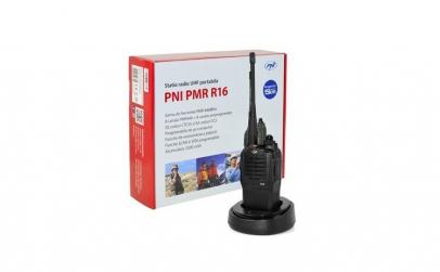 Statie radio UHF portabila