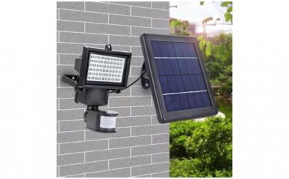 Proiector cu panou solar si senzor 15 W