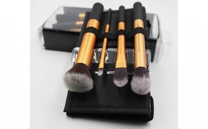 Set 4 pensule machiaj Real Techniques -