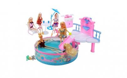 Set de joaca Papusa Betty la piscina