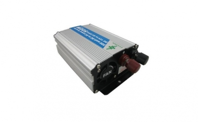 Invertor tensiune 24V-220V