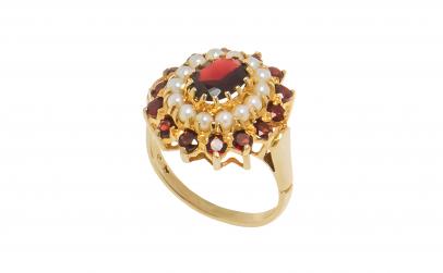 Inel din aur 9K cu granat și perle