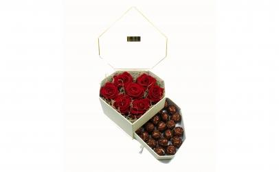 Cutie inima 7 trandafiri criogenati