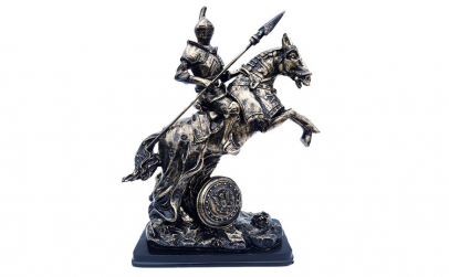 Statueta calaret in armura de lupta pe