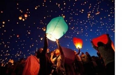 Set 20 lampioane multicolore zburatoare