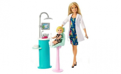 Papusa Barbie la dentist
