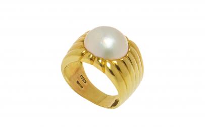 Inel din aur galben 18K cu perla