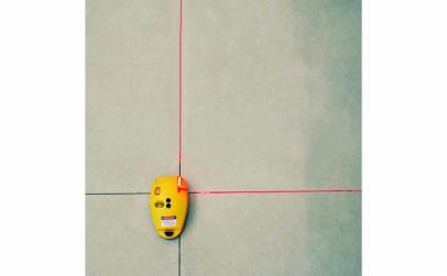 Nivela laser cu linii cruce
