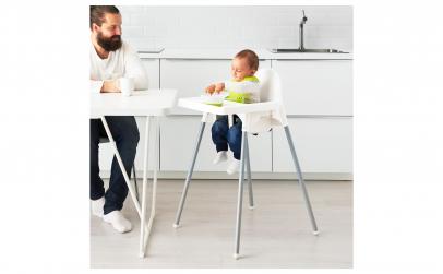 Scaun inalt cu tava pentru copii