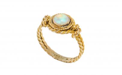 Inel din aur galben 10K cu opal