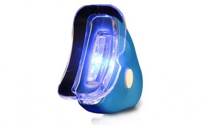 Dispozitiv de albire a dintilor