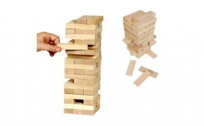 Joc de societate din lemn