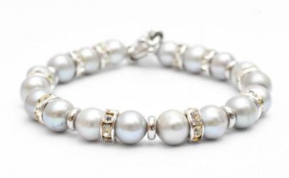 Bratara handmade din perle de cultura