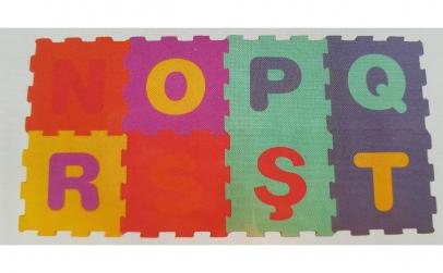 Covor puzzle litere N,O, P, Q, R, S, Ș,T