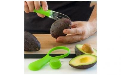 Aparat de curatat si taiat avocado