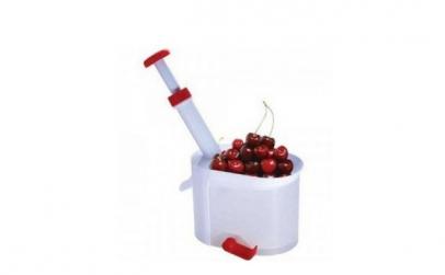 Dispozitiv pentru scos samburi cirese