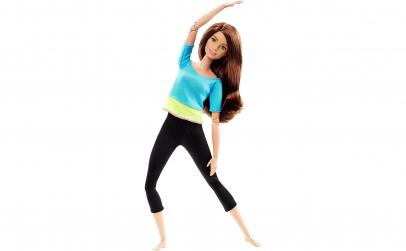 Papusa Barbie la sala