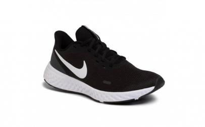 Pantofi sport barbati Nike Revolution 5