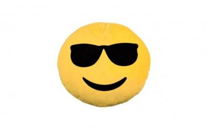 Perna emoji, din plus, fata zambitoare