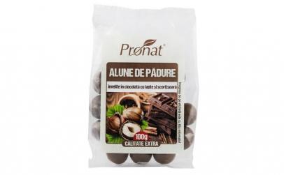 Alune de padure invelite in ciocolata cu