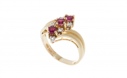 Inel aur galben 14K, rubine si diamante