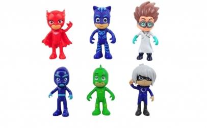 Figurine eroi in pijamale
