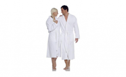 Set 2 halate si 2 prosoape de baie albe