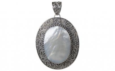 Pandantiv argint 925 cu sidef alb oval
