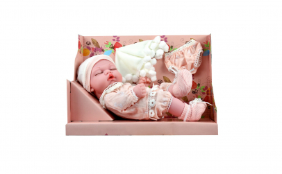 Papusa bebelus nou-nascut cu hainute