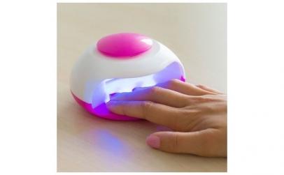 Uscator de unghii portabil cu lumina UV